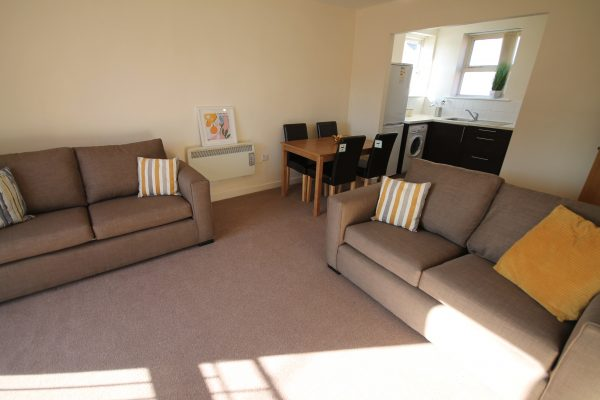 5 Bedroom Flat To Let in Sandyford