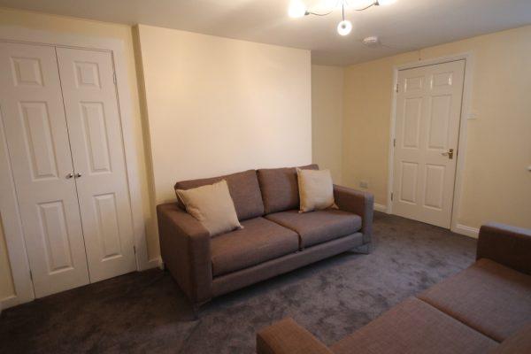 6 Bedroom Flat To Let in Sandyford