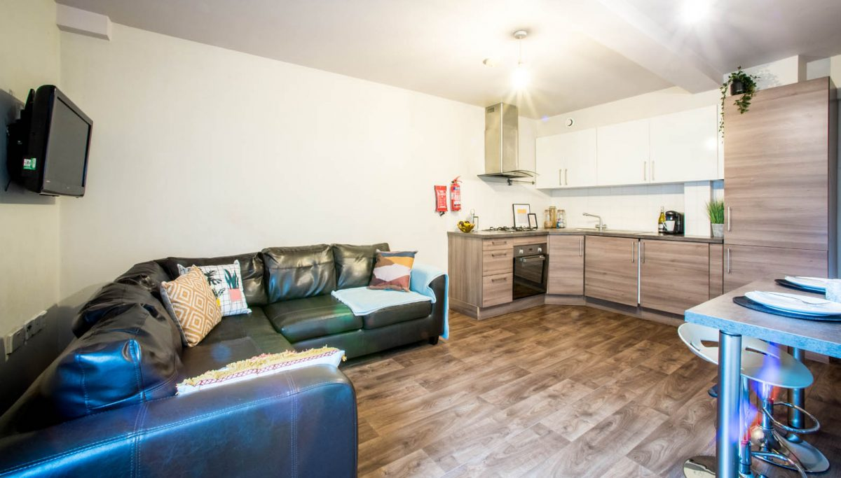 5 Bedroom Flat To Let in Gateshead