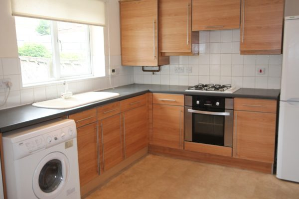 5 Bedroom Terraced House To Let in Heaton