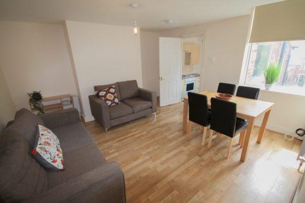 4 Bedroom Flat To Let in Sandyford