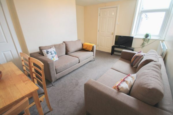 6 Bedroom Flat To Let in Jesmond